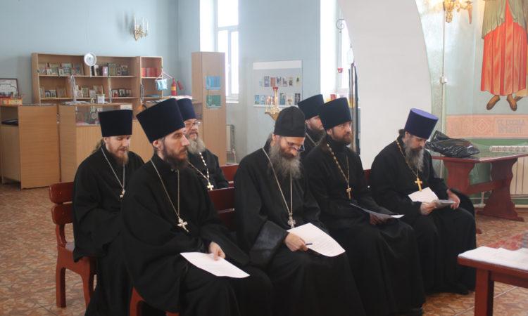 Состоялось собрание духовенства Саткинского благочиния